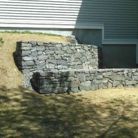 Retaining wall when dry